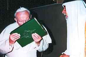 Pope kisses Koran